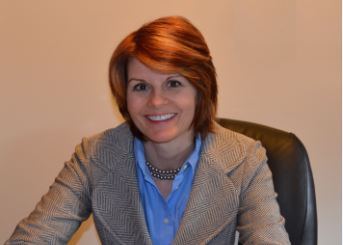Picture of CEO Julie Perry